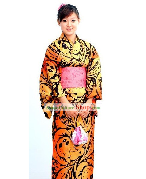 Traditional Japanese Ladies Kimono Complete Set