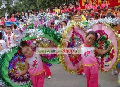 Chinese Traditional Clam Costums for Children