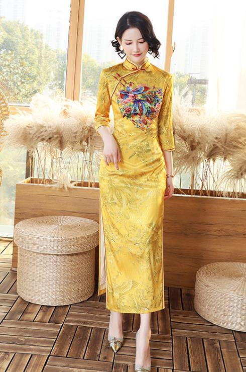 Chinese Classic Golden Peony Wedding Dress