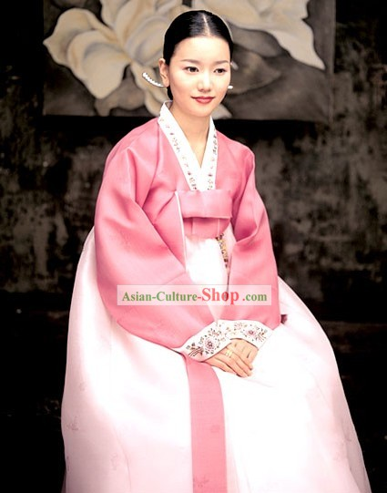 Traditional Korean Hanbok Set for Women