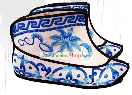 Classic Peking Opera Embroidered Shoes for Men