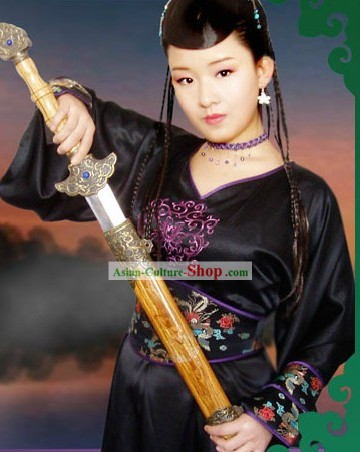 Traditional Chinese Swordswoman Costumes