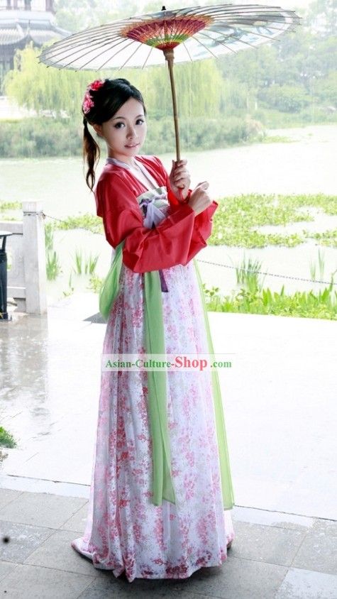 Ancient Chinese Beauty Outfit and Umbrella