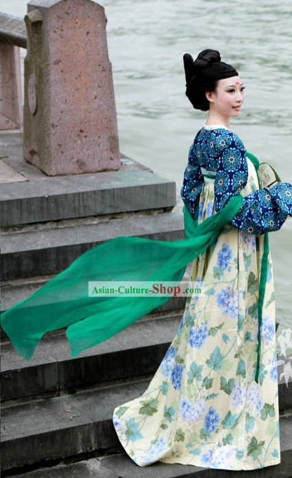Blue Flower Hanfu Clothing and Green Cape Set