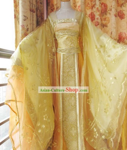 Traditional Chinese Golden Princess Clothing