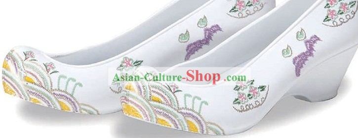 Ancient Style Korean Wedding Shoes for Brides