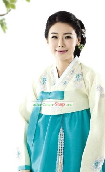 Romantic Korean Women Embroidered Flower Hanbok