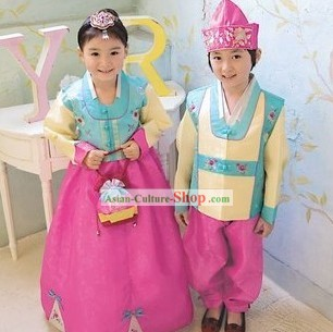 Traditional Korean Hanbok and Hat for 2 Kids