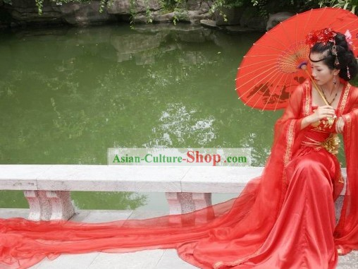 Traditional Chinese Red Bride Wedding Dress and Hair Accessories