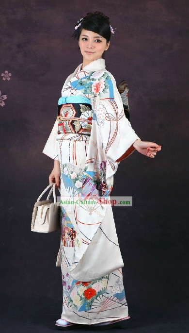 Traditional Japanese Formal Kimono Clothing for Women