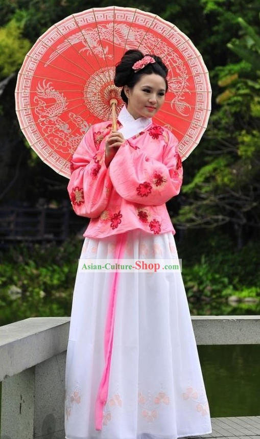 Traditional Chinese Ming Dynasty Women Dress and Umbrella