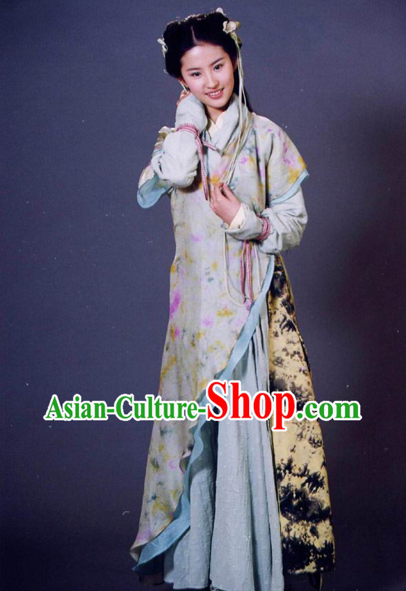 Ancient Chinese Swordswoman Costume and Hair Accessories for Women