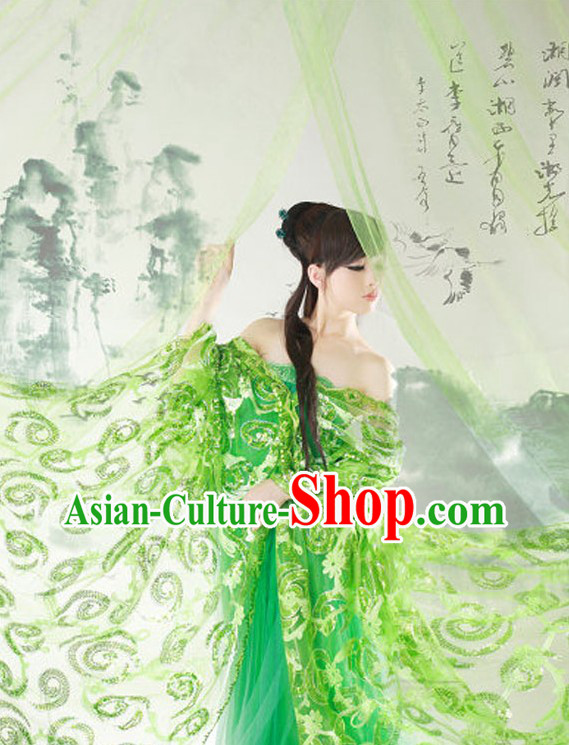 Ancient Chinese Green Costumes for Photo Taking