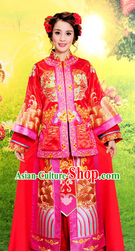 Chinese Classical Auspicious Embroidered Wedding Dress for Brides