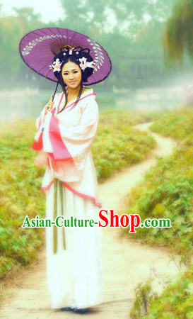 Ancient Chinese Pink Hanfu Clothing and Umbrella for Women