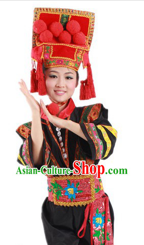 Traditional Chinese Yi Nationality Costumes and Hat for Women