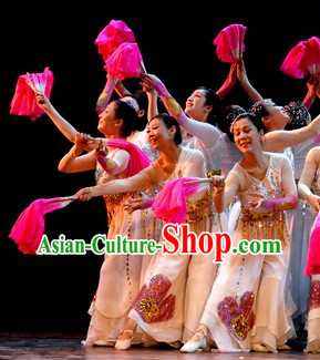 Traditional Chinese Folk Dance Costumes for Women