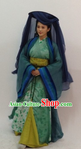 Ancient Chinese Swordwoman Costume and Hat