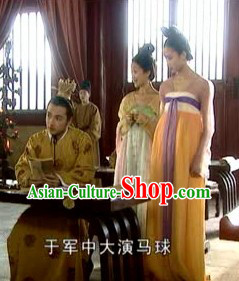 Ancient Chinese Tang Dynasty Imperial Palace Costumes and Hair Accessories for Women