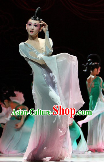 Traditional Chinese Imperial Palace Dancing Costumes and Hair Accessories for Women