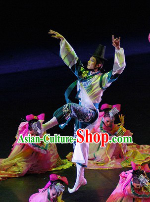 Traditional Korean Dance Costumes for Men