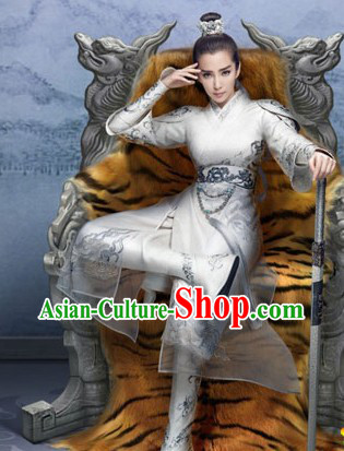 Chinese Traditional White Embroidery Swordsman Clothing and Hair Accessories Complete Set
