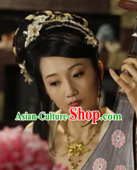 Tang Dynasty Beauty Hair Accessories and Necklace