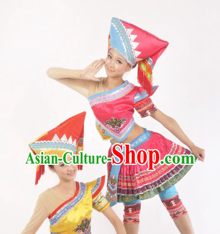 Traditional Chinese Zhuang Ethnic Clothing and Headdress for Women