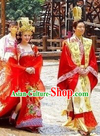 Ancient Chinese Traditional Wedding Dresses and Crowns for Men and Women