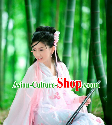 Ancient Chinese Tang Dynasty Costume and Headpiece for Women