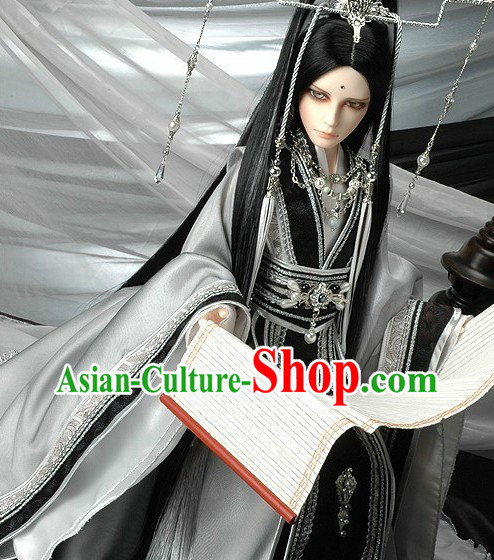 Chinese Classical White and Black Han Fu Clothing and Headdress for Men
