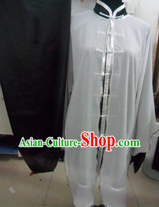 Traditional Chinese Long Sleeves Martial Arts Uniforms and Cape