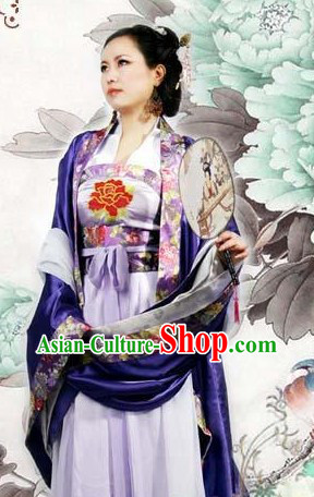 Ancient Chinese Tang Dynasty Wife Clothing with Long Tail