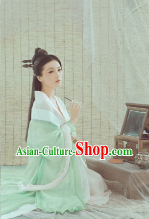 Ancient Chinese Light Green Lady Clothing Complete Set for Women