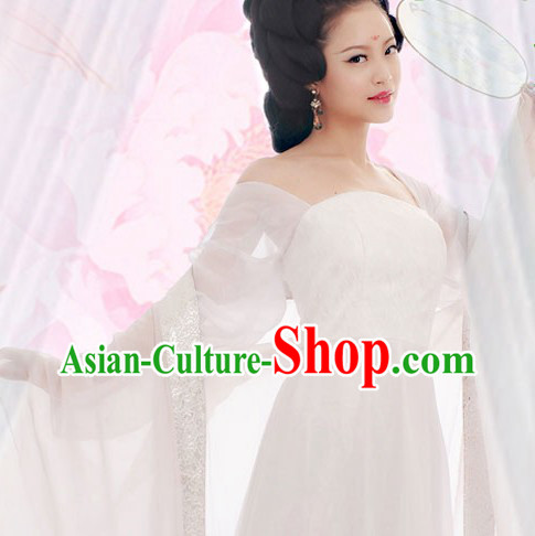 Pure White Chinese Tang Dynasty Beauty Maid Costume