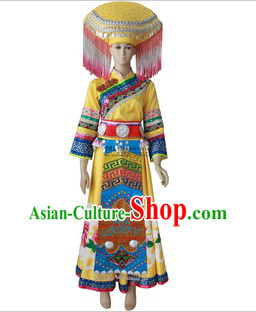 Guang Xi Zhuang Tribe Minority Ethnic Clothes and Headpiece for Women