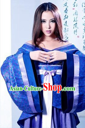 Ancient Chinese Blue Female Costumes