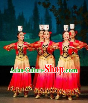 Traditional Chinese Xinjiang Dance Costumes and Hat for Dancers