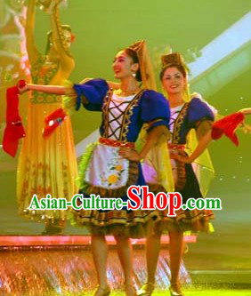 Traditional Chinese Xinjiang Restaurant Costumes and Hat for Women
