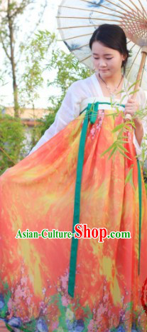 Traditional Chinese Tang Dynasty Ruqun Skirt and Top for Women