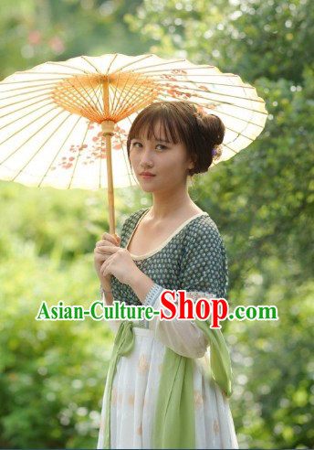 Traditional Chinese Tang Dynasty Robe and Umbrella for Girls