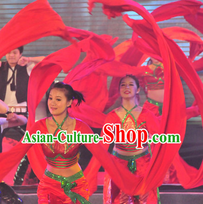 Chinese Folk Long Sleeve Festival Celebration Group Dance Costumes for Women