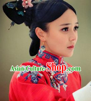 Chinese Traditional Wedding Dress and Hair Accessories