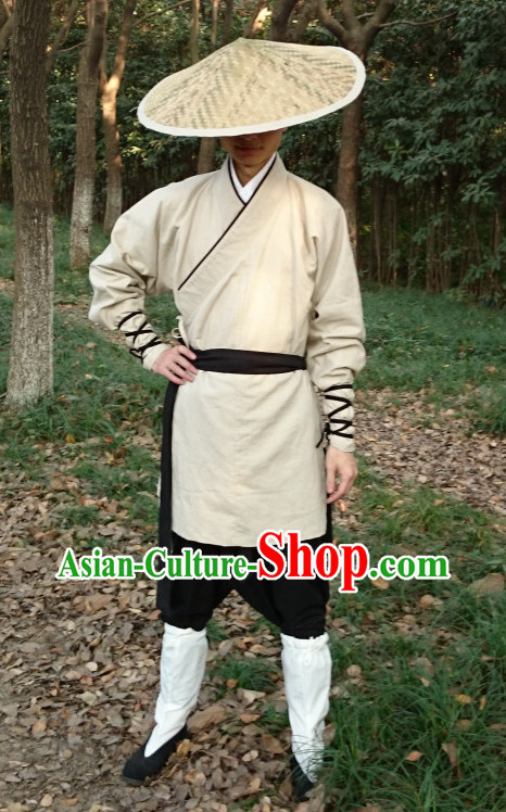 Ancient Chinese Swordsman Hanzhuang and Bamboo Hat
