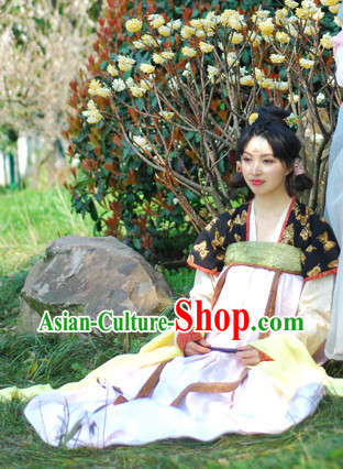 Han Dynasty Female Traditional Dresses