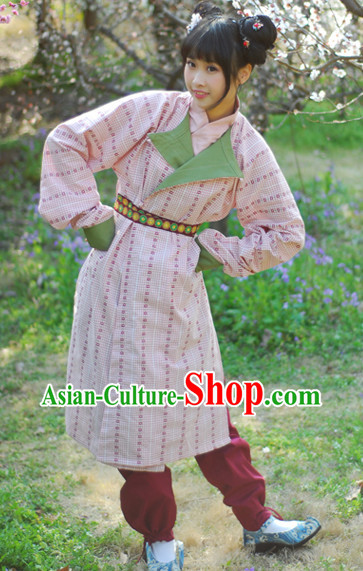Tang Dynasty Female Traditional Clothes