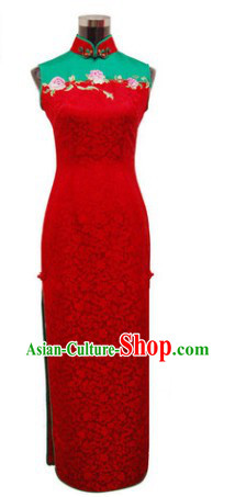 Traditional Chinese Silk Red Embroidered Cheongsam