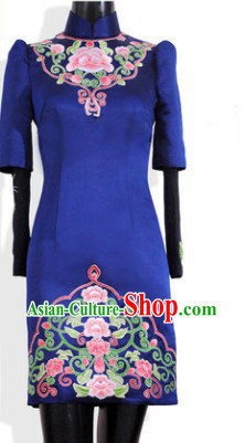 Traditional Chinese High Collar Blue Important Ceremonial Silk Embroidered Flower Evening Dress