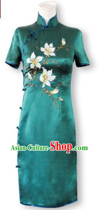 Chinese Silk Green Embroidered Qipao