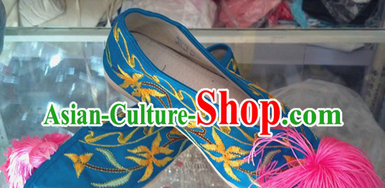 Ancient Peking Opera Embroidered Flower Shoes